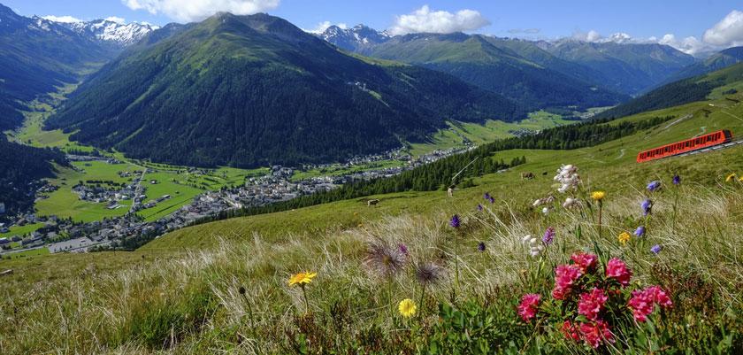 switzerland_graubuenden-region_davos_valley-view