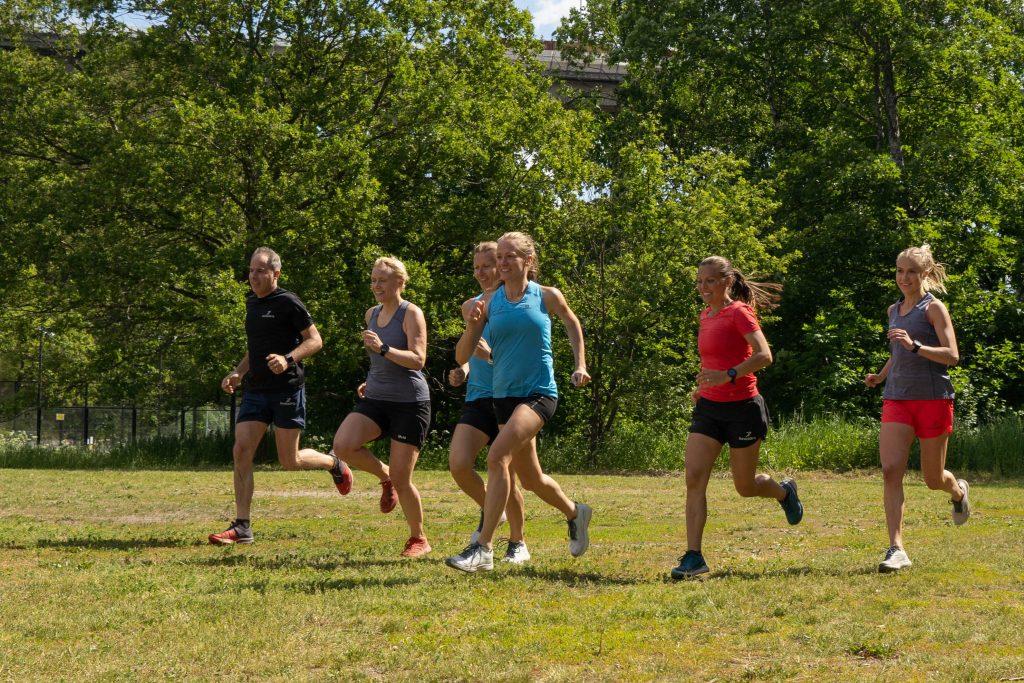 0510fa2ebb4b Att träna ihop är väldigt kul och det blir en speciell gemenskap när man  tillsammans kämpar sig genom olika intervaller. Det bjöds på mycket svett  och ...