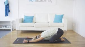 tjej utför yoga